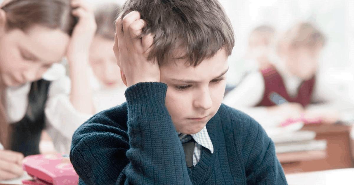¿Su hijo es inteligente, pero está desmotivado, desatento e irritable?